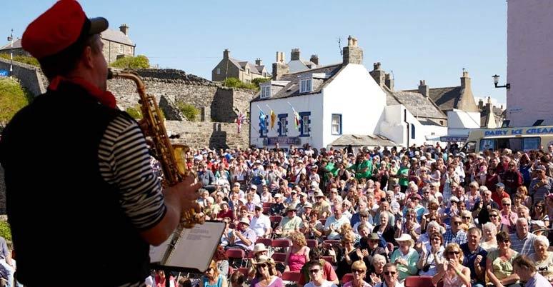 Scottish traditional boat festival hamlyn 39 s of scotland for Ross craft show 2017